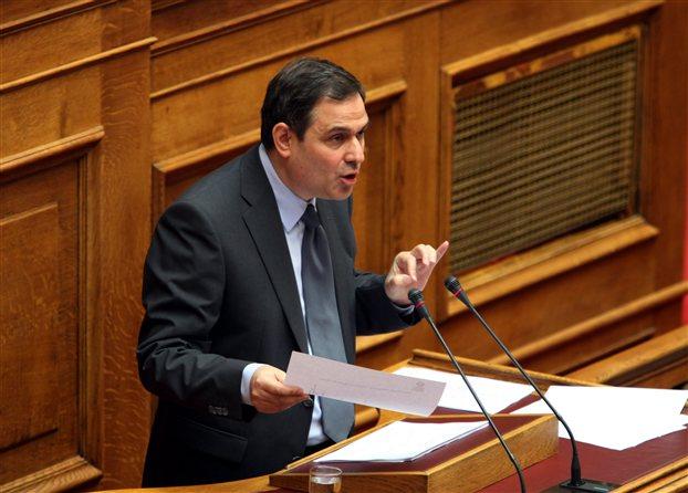 Φίλιππος Σαχινίδης: «Συζητούµε μειώσεις φορολογικών συντελεστών»