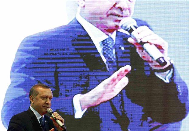 Ο προκλητικός Ερντογάν κάνει «άνω - κάτω» το Κυπριακό