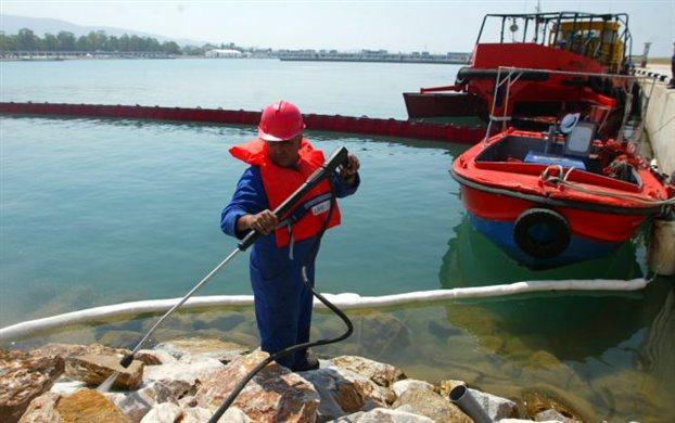 Διεθνής άσκηση αντιμετώπισης θαλάσσιας ρύπανσης στον Αγιο Κοσμά