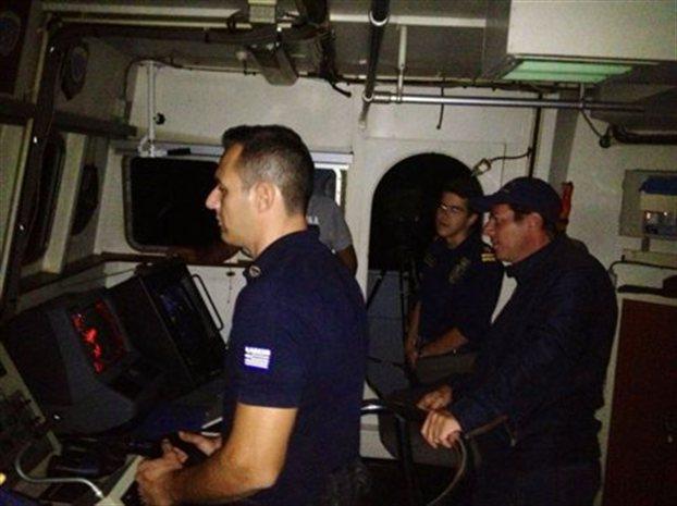 Μ. Βαρβιτσιώτης: Νυχτερινή περιπολία με σκάφος του Λιμενικού