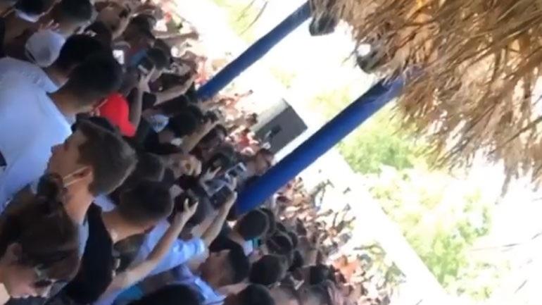 Κάτω Αχαΐα: Συνωστισμός και παντελής έλλειψη μέτρων προστασίας σε beach bar